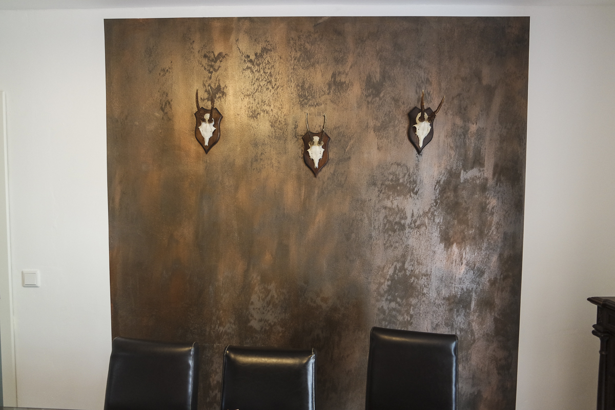 Rustikale dekorwand in rostoptik f r herrenzimmer - Fliesen rostoptik ...
