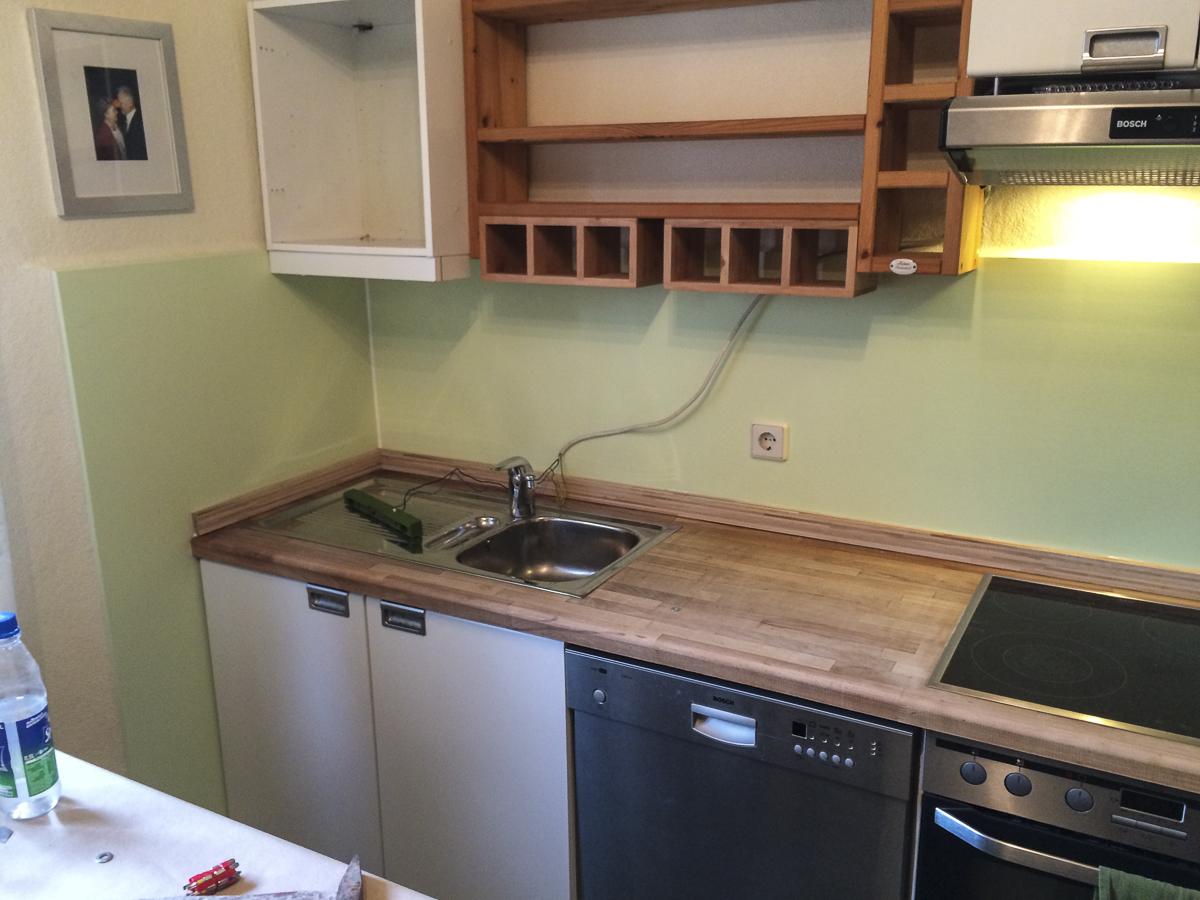 Nachher: Fugenlose, leicht zu reinigende Küchenwand