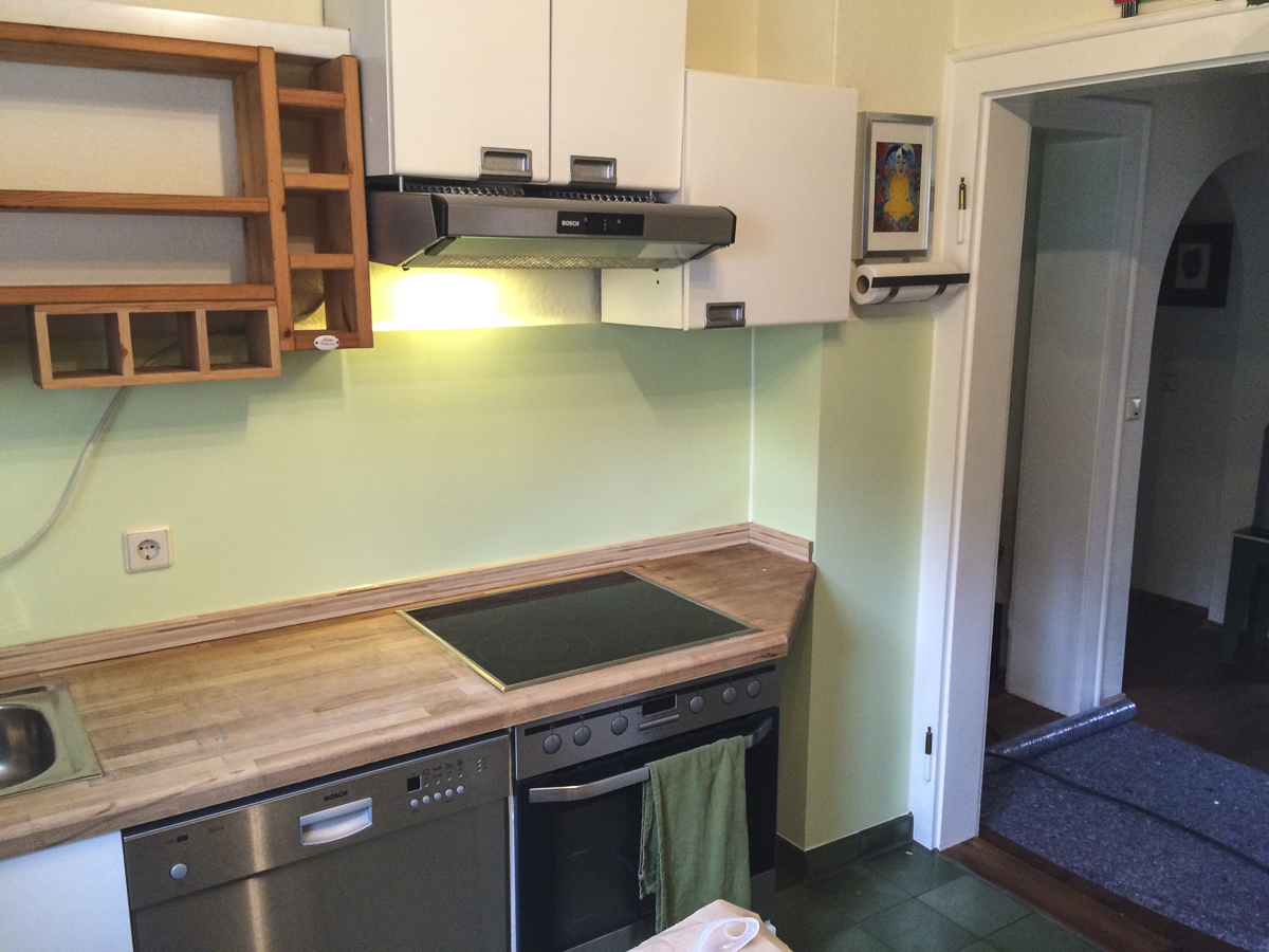 Fugenloser Küchenspiegel in Wunschfarbe